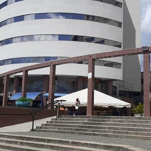 Sé Vende Consultorio Odontológico Cc Reda Building