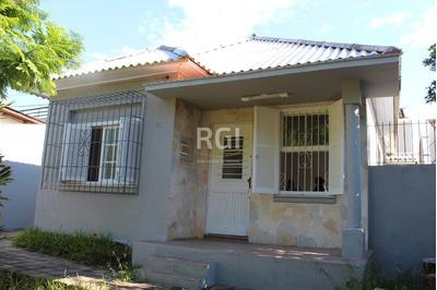 Casa Em Teresópolis Com 6 Dormitórios - Bt8803