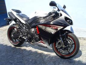 R1 Yamaha Branca 2013