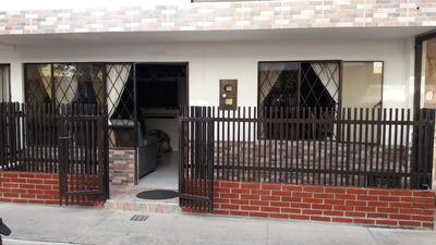 Venta De Casa Giron. Villa Campestre. Metro