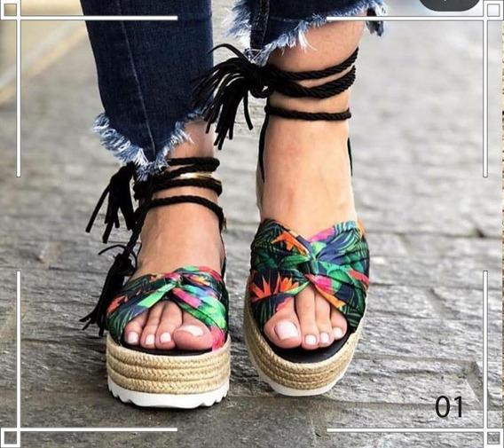 Sandália Flatform Floral