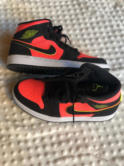 Jordan 1 Mid Black Hot Punch 25cm