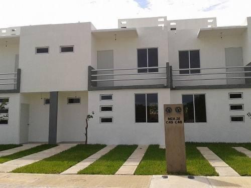 Casa En Venta Puerto Morelos C2293