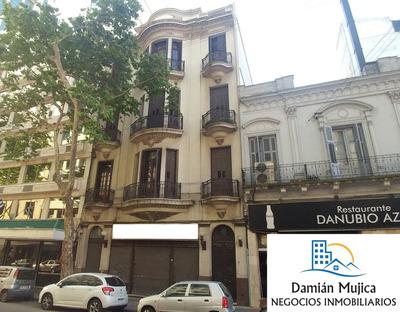 Se Vende Edificio- 3 Apartamentos + Local Comercial