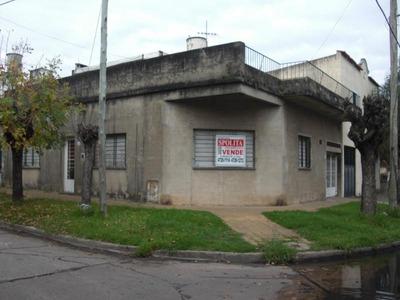 Excelente Casa De 4 Ambs Con Garage