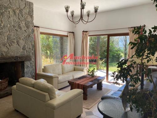Hermosa Casa En Brava- Ref: 3983