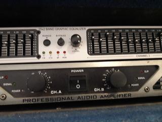 Potencia Apogee P-900 + Equalizador Rohm + Rack Unico