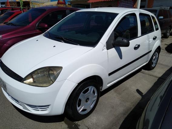Ford Fiesta Básico 2004