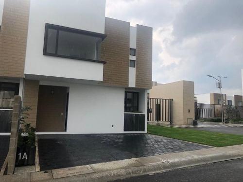 Renta Casa Nueva En Lerma, Ocoyoacac En Fraccionamiento