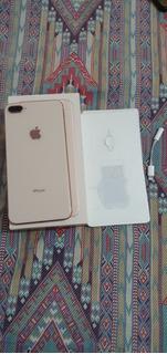 iPhone 8 Plus 64g Com Pequeno Trincado