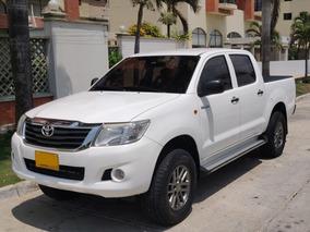 Toyota Hilux 4x4 - Diesel - 2.500 Cc 2013