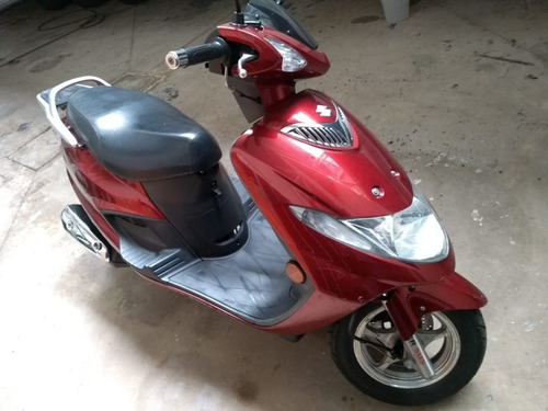 Moto Suzuki Bugman 125