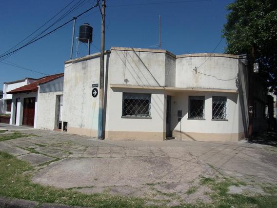 Casa 2 Dormitorios - Barrio Azcuenaga