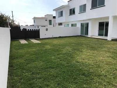 Casa Sola, Nueva, Amplísimo Jardín