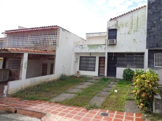 Casa En Venta La Rosaleda Barquisimeto Lara 20-6248 Rahco