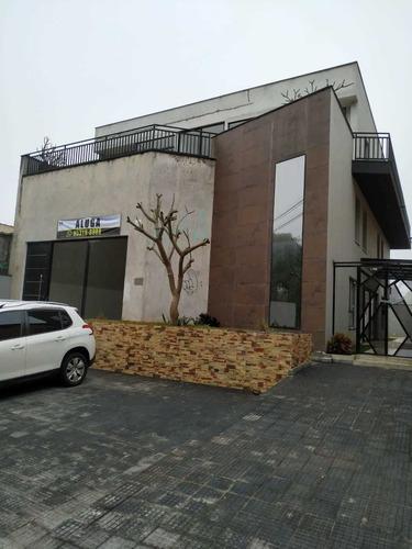 Prédio Comercial Com Arquitetura Moderna