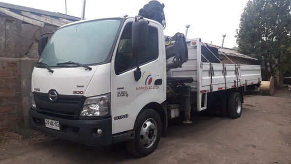 Camion Pluma Hino 300 Xzu 2017
