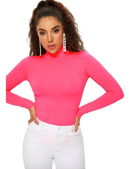 Camiseta Para Mujer Rosada Neón De Cuello Alto Aona