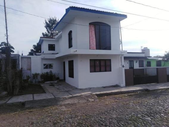 Casa Sola En Venta Cuauhtémoc, Colima; Con Terreno Amplio Y Estudio En Pl