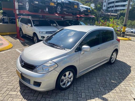 Nissan Tiida Hatchback Automatico