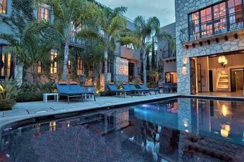 Casa Shangri-la