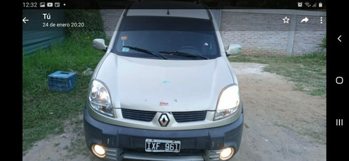 Imagen 1 de 7 de Renault Kangoo 1.5 2 Dci Ath Plus Lc Sl 7as Aa Pk 2010