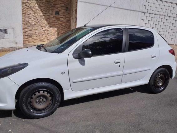 Peugeot 207hb Xr 1.4 2011 Flex(10 Anos Brasil) - 2011