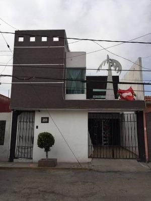 Casa En Venta En Villa De Las Flores, Coacalco México.