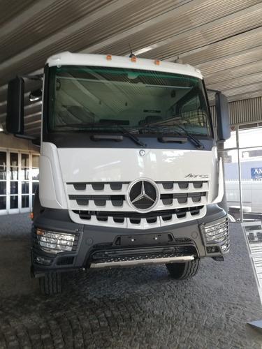 Mercedes Benz Arocs 4136 B/42 8x4 Blanco