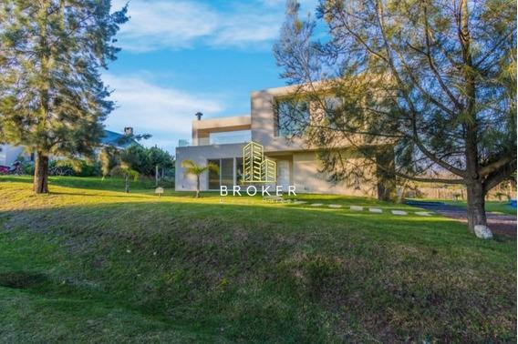 Casa Venta Altos De La Tahona 4 Dormitorios Piscina Estrenar