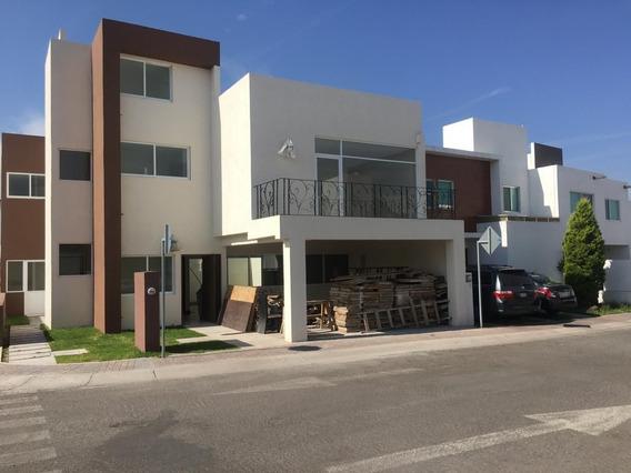 Casa En Venta. El Refugio, Queretaro. Rcv200311-cp