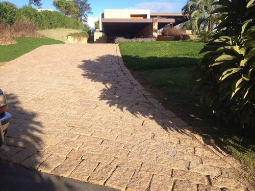 Imagem 1 de 3 de Serviços De Pavimentação Com Pedra Folheta