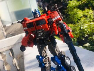Studio Series 38 - Transformers - Optimus Prime