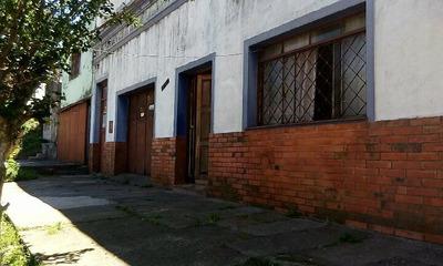 Casa Em Bairro Centro = Rua Treze De Maio 1512