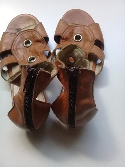 Zapatos De Cuero Marca Lucuer Color Beige Nº 36
