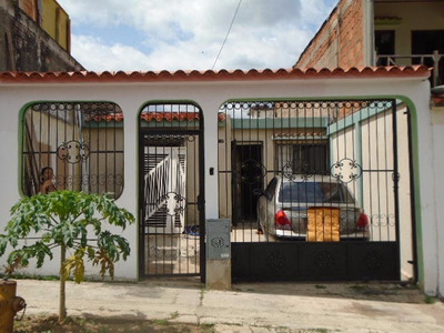 H.a Casa En Venta Lomas De La Esmeralda (san Diego)