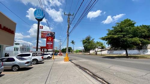 Imagen 1 de 4 de  Local Comercial En Renta Ubicado En Lugar Estratégico De La Ciudad