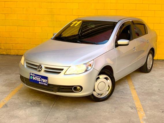 Volkswagen Voyage 1.0 Trend Vht Direcao Hidraulica + Vidro
