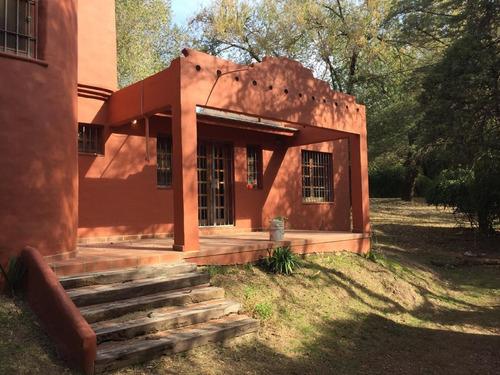 Villa Warcalde 1200m2 Terreno 210m2 Cubiertos