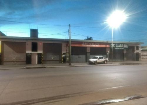 Imagen 1 de 9 de Local Comercial Sobre Avenida