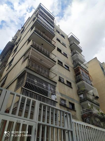 Apartamento En Alquiler El Bosque #20-20338 Mn
