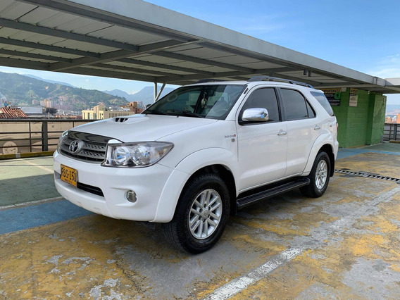 Toyota Fortuner Srv Diesel At 4x4 2010
