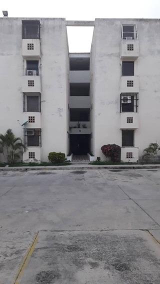 Apartamento En Venta De 65m2, En Ciudad Alianza Res. Alianza
