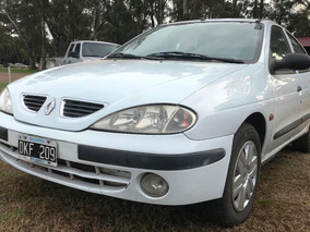 Renault Megane F/2 Privilege 4p 2.0 Abs 2000