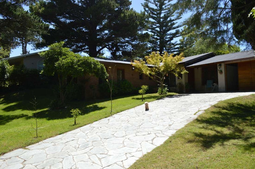 Imagen 1 de 14 de Alquilo Casa En Pinamar Zona Iglesia Calle Pinguinos