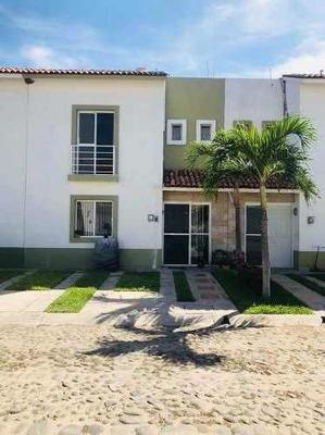 Bonita Casa En Venta En Condominio Villas Coral Manzanillo