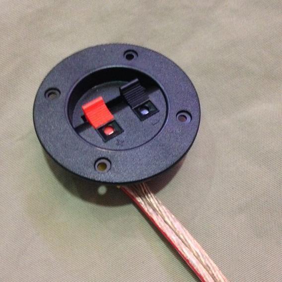 Conector Redondo Para Bafle O Woofer Con 1 Cable