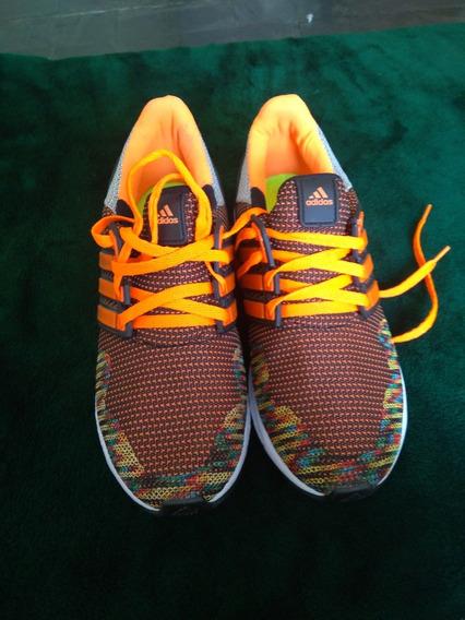 Tênis adidas Semi Novo