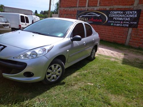 Peugeot 207 1.4 Sedan Hdi Xr