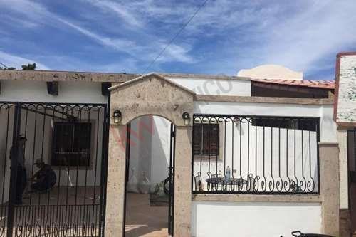 Se Renta Casa En Hacienda Residencial